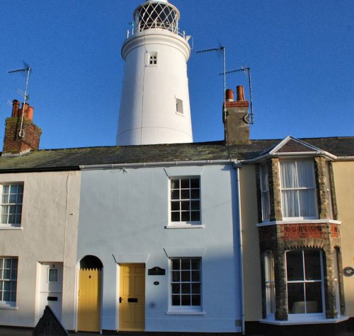 Lighthouse View Cottage is centrally situated amid many of Southwolds attractions. Just a stroll to the beach, pier, museum, High Street, St.Edmund's Hall (for Summer Theatre and events), brewery and, of course, the Lighthouse!